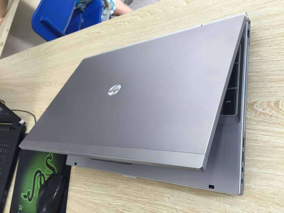 HP Elitebook 8570p (Core i5 3320M, 4GB, 250GB, AMD Radeon HD 7570M, 15.6 inch)