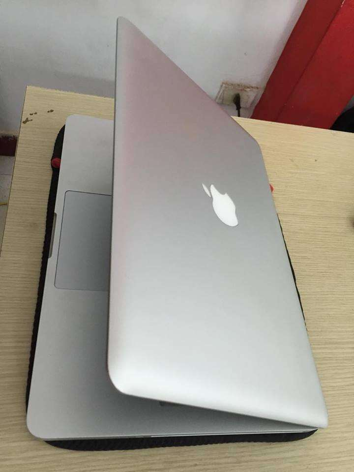 MacBook Pro MC700 13 inch -2011- Coi5/ Ram 4G/ HDD 320G